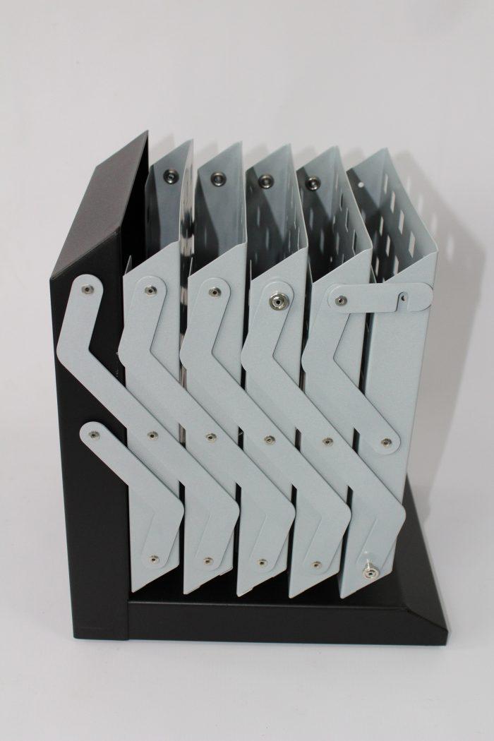 brochurehouder steel folded